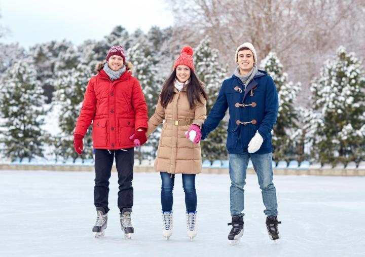Be med familien eller venner på skøytedag - aktiv julekalender gave