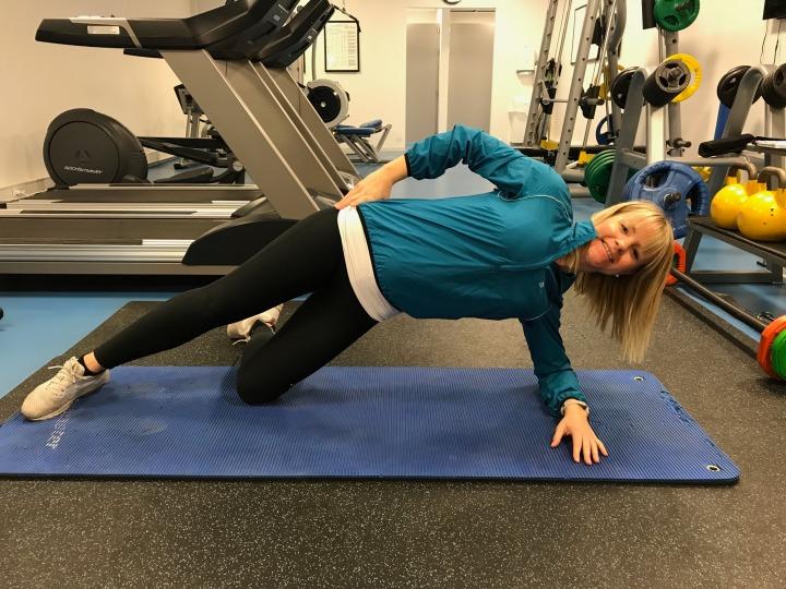 Sideplanke - trening for gravide - klinisk ernæringsfysiolog Anne Marie Skjølsvik