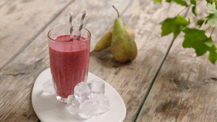 Solbær- og pæremilkshake