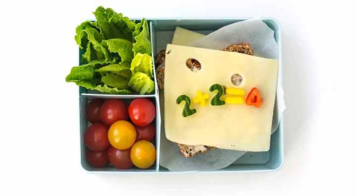 Slik får du barna til å spise både sunt og godt påskolen